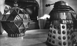 Doctor who 16 dalek fight a