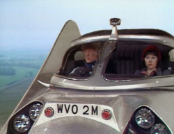 Doctor who 74 flying car 2