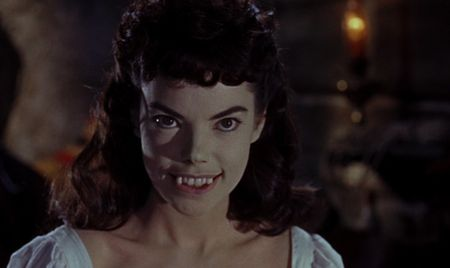 The-Brides-of-Dracula-2