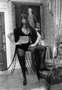 Dracula ad 1972  (12)
