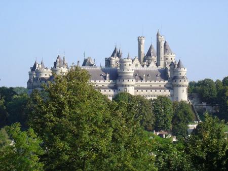 Merlin Château_de_Pierrefonds_vu_depuis_le_Parc