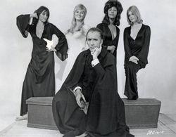 Dracula ad 1972  (27)