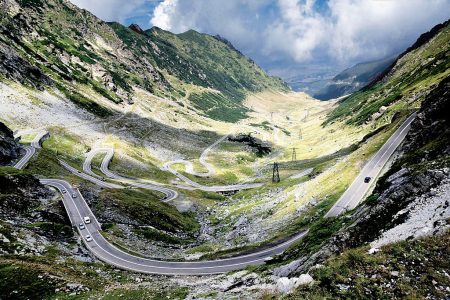 Top gearWide_view_over_the_northern_Transfagarasan