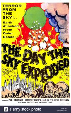The-day-the-sky-exploded-aka-la-morte-viene-dallo-spazio-us-poster-E5MCM8