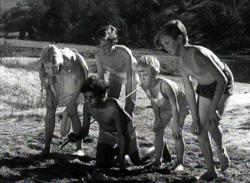 Bush Christmas 1947 d